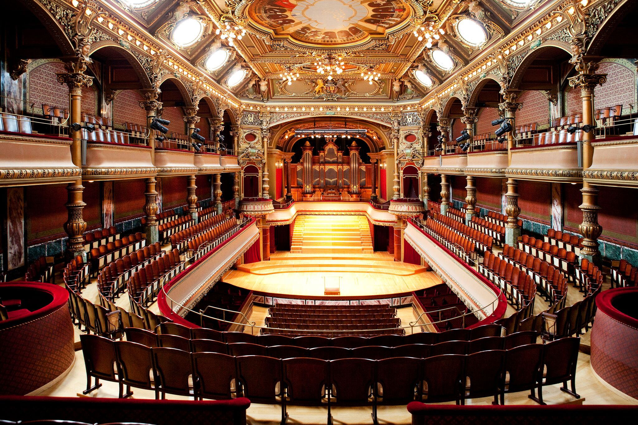 Konzertsaal Genf Schweiz Swiss Orchestra Lena Lisa Wüstendörfer Matthias Bruns Stimmführer Violine Coaching Probespielvorbereitung Masterclass Meisterkurs