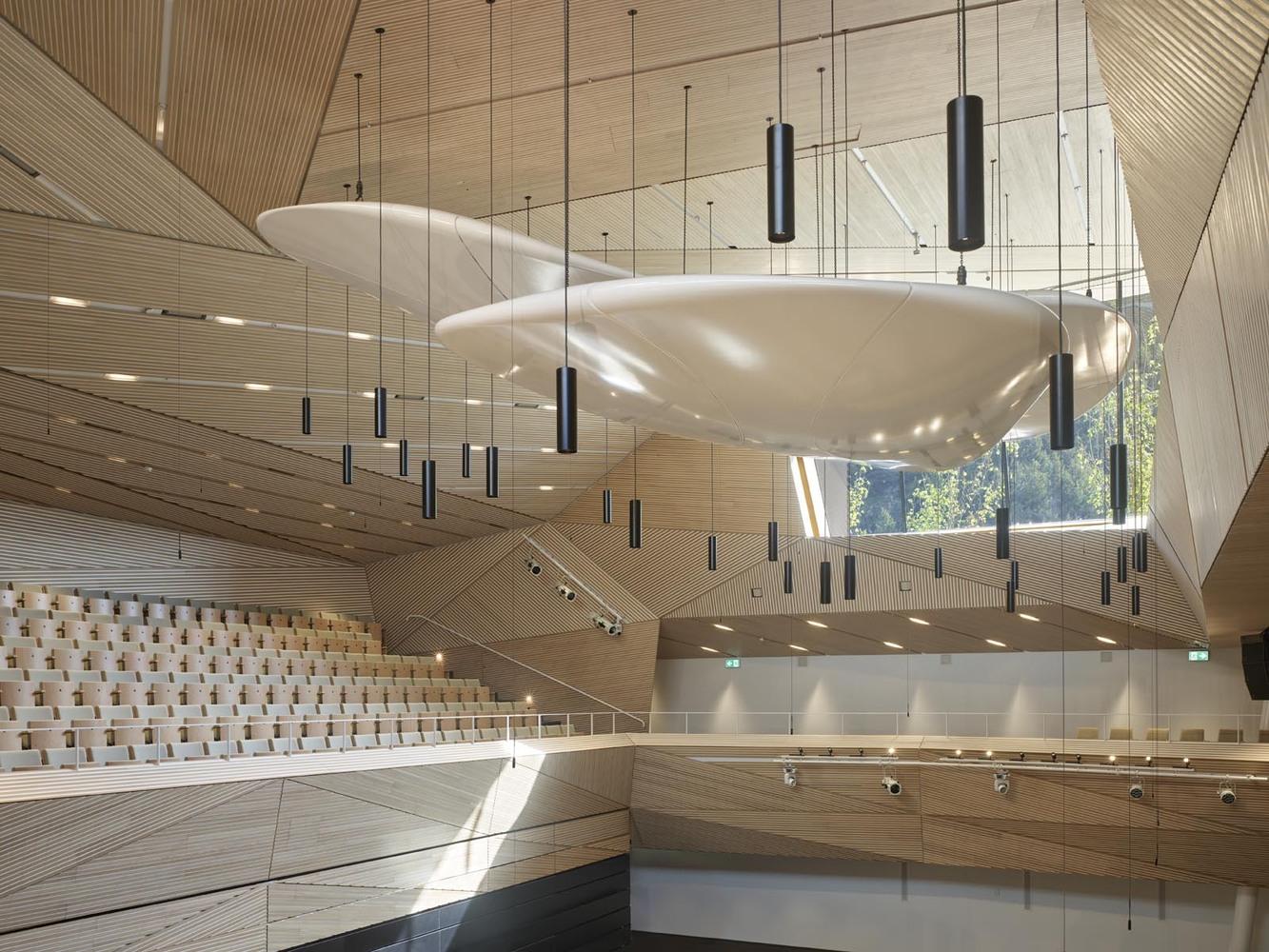 Andermatt concerthall Matthias Bruns Stimmführer Swiss Orchestra Schweiz Kammermusik Coaching Violine